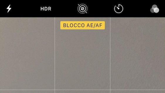 Come mettere il blocco AE/AF sulla fotocamera iPhone?